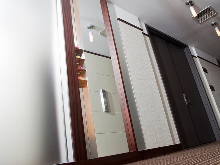 Comment utiliser des miroirs pour maximiser la lumière du jour